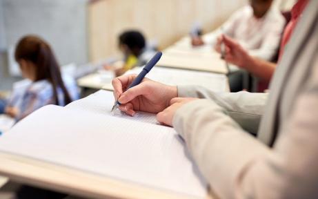 Studentler kontrakt pulın 4 bólip tóleydi